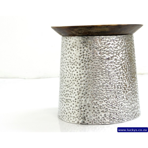 Surya Piramid Aluminium Side Table