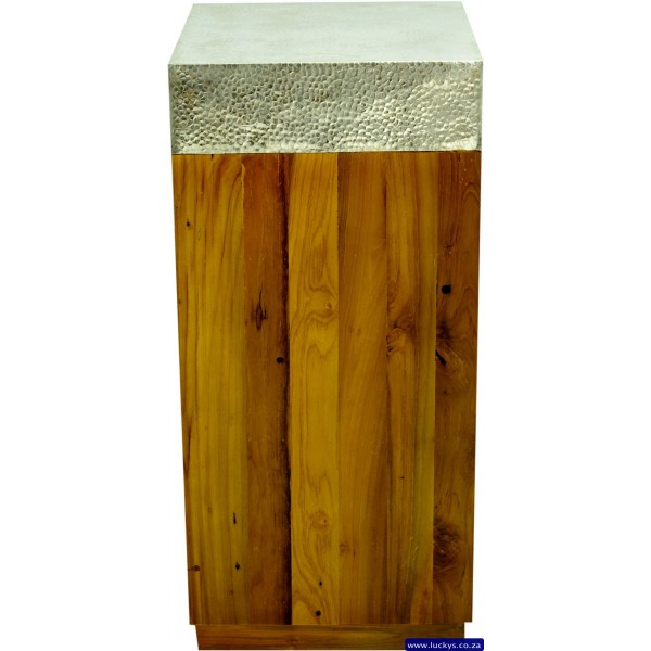 Surya Akar Pedestal Medium