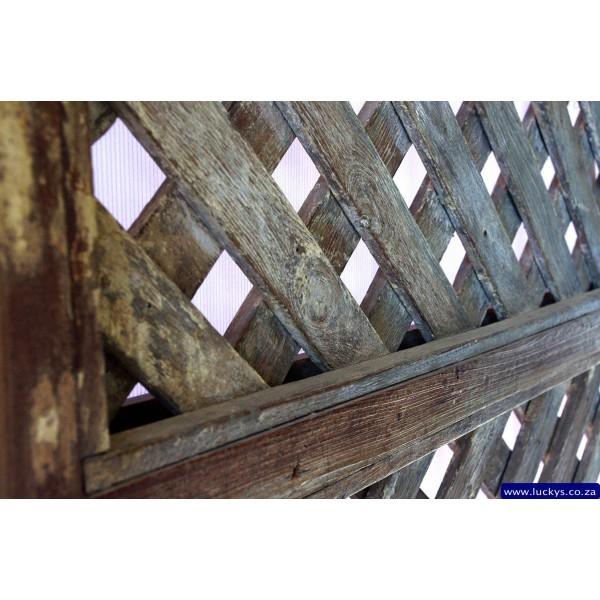 Lotus N-17 Wood Screen